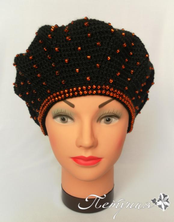 Как украсить вязаную шапку  бисером