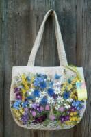 Вышивка лентами на сумках, идеи для вдохновения.