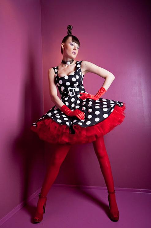 На выпускной можно сшить только юбку, например черную, а к ней купить или сшить ( если опыт и уменье позволяют)...